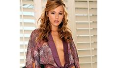 Model : Crystal Klein