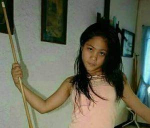 Foto Telanjang Gadis Bilyard Diatas Meja