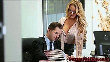 Sekretaris Baru Yang Nakal
